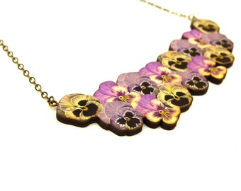 Flower bouquet, pansy necklace, flower necklace, collar necklace, pansy, pansy accessory, bridesmaid gift, bridesmaid jewellery,bib necklace