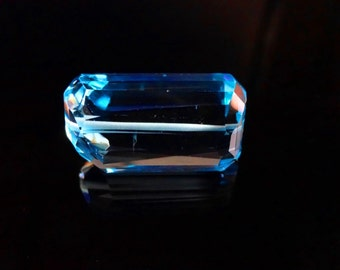 AAAA quality Natural Sky Blue Topaz faceted nugget size 14.5X20mm 50cts GW1990