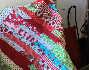 Happy scrappy holiday quilt