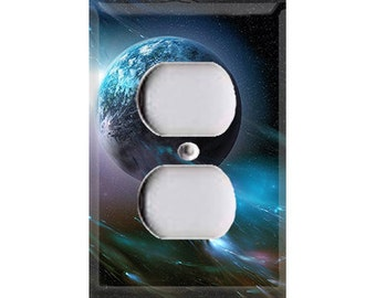 Galaxy Planet Single Outlet Cover