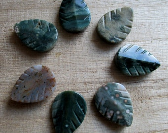 Agate leaves (7), leaf beads, 21mm leaves, green agate, mottled agate beads, 21mm agate bead