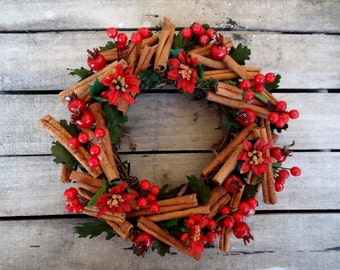 "10"" Traditional Christmas Wreath - Merry Christmas Wreath - Hanging Wreath"