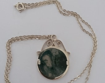 Vintage sterling silver and Moss Agate pendant and chain