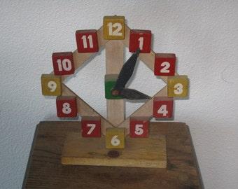 SIO Wood Children's Clock - Dutch - Holland