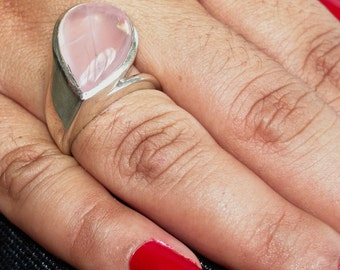Gemstone Ring with a pink pear drop shaped Rose Quartz - Sterling Silver 925 size 7 (GR37)
