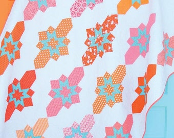 Baker Street quilt pattern by Sassafras Lane Designs - modern quilt pattern, fat quarter quilt, fat quarter friendly, modern geometric