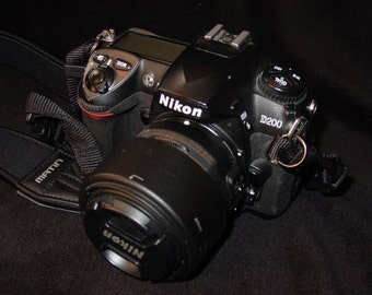 Nikon D200 10mp Camera with 40mm Micro Nikkor Lens
