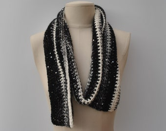 Crocheted black/white scarf with sequins