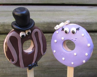Doughnut Bride & Groom Wedding Cake Topper, Doughnut Wedding, Purple Doughnut Bride, Doughnut Bride and Groom, Doughnuts, Wedding Doughnuts