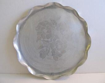 Aluminum Trays, Aluminum Platters, Trays, Platters, Serving Trays, Serving Platters Aluminum Pans Vintage Kitchen Metal Trays Metal Platters
