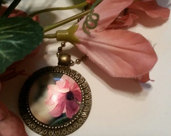 Cabochon Rose Necklace