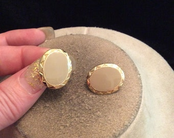 Vintage Tan Enameled & Goldtone Clip On Earrings