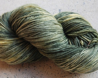 Hand dyed superwash merino yarn