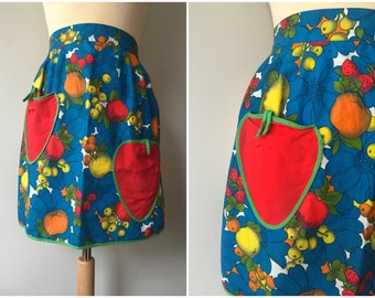 1960s Fruit Print Half Apron/Pinny with Strawberry Pockets