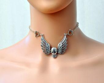 Flying skull necklace, Skull with wings pendant, Skull necklace Gothic choker, Sweet skull Skeleton Jewellery skull wings vampire collar