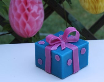 Candle gift package