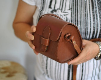 Vintage HANDMADE MESSENGER BAG , women's leather bag....(292)