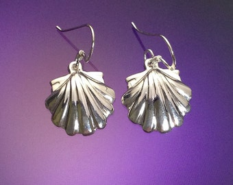 925 Solid Sterling Silver SEA SHELL Earrings / Dangle/Clam Shell Earrings/ Nature Jewelry / Beach Jewelry