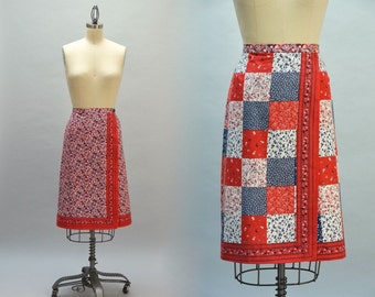 Reversible 70s Wrap Skirt - Vintage Red White and Blue Floral Cotton Calico Cheater Quilt Patchwork Print A-line Skirt Knee Length M L