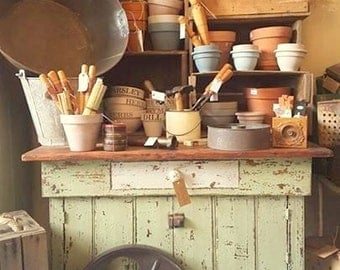 Rustic Farmhouse Potting Bench