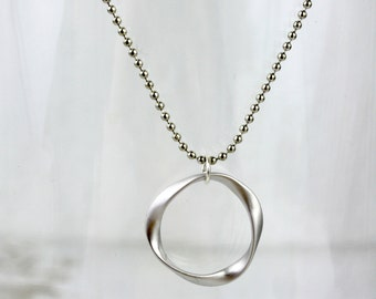 Swirl - silver necklace