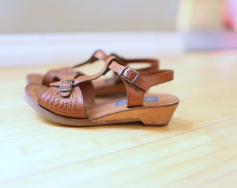 vintage woven strappy brown leather wedge sandals womens 7