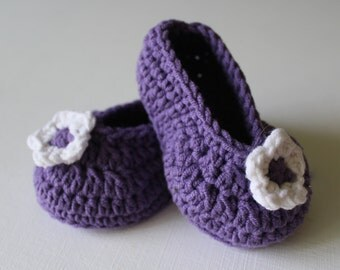 Crochet slippers, baby booties, baby girl booties, baby shoes, purple and white baby shoes - READY TO SHIP