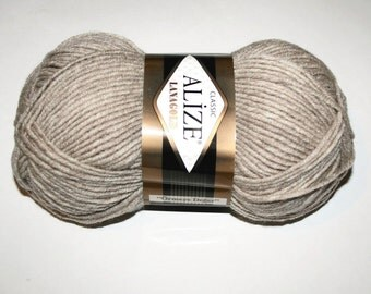 Warm yarn Alize LanaGold. Wool blend acrylic.
