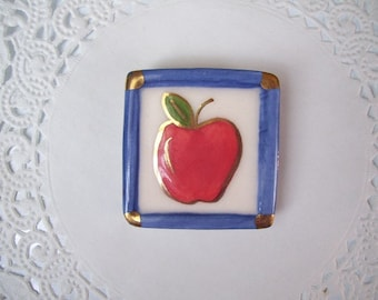 Apple magnet (530) - Apple Refrigerator magnet - Teacher gift - recycled jewelry