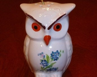 Vintage Owl Pomander Figurine Ceramic Statue, Potpourri Diffuser, Bird Animal Kitsch Home Decor