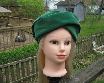 Vintage Green Velvet Pill Box Style Hat With A Rhinestone Pin