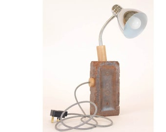 Red Brick spot-lamp reclaimed brick