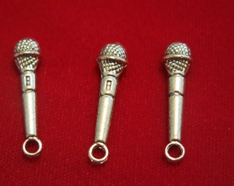 """BULK! 30pc """"microphone"""" charms in antique silver style (BC75B)"""