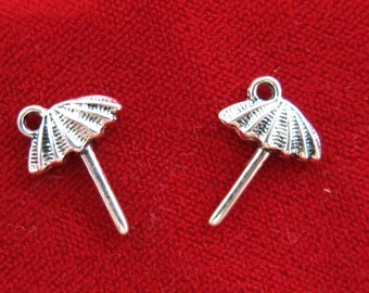 """10pc """"umbrella"""" charms in antique silver style (BC933)"""