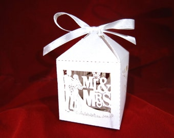 "40pc ""Mr & Mrs"" wedding favor boxes (D42)"