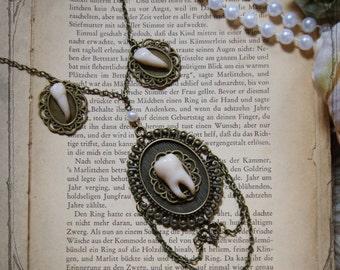 """Necklace """"Morsus""""  ( Teeth, Steampunk)"""