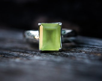 Prehnite Ring size 8 - Prehnite Ring - Prehnite Ring size 8  - Stunning Prehnite Ring - Natural Prehnite Ring - Prehnite