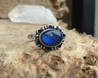 Labradorite and sterling silver ring // size 9.75 // hand stamped // handmade // metaphysical