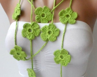 Flower lariats in green long neck scarf crochet flower scarf green lariat Summer neckscarf crochet jewelry Braidsmaid gifts Christmas lariat