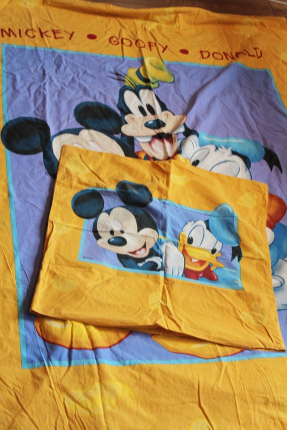 disney housse de couette mickey mouse donald duck par. Black Bedroom Furniture Sets. Home Design Ideas