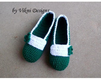 Crochet Slippers, Christmas Slippers, Indoor Slippers, Cozy House Shoes, Womens Slippers by Vikni Designs
