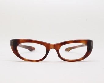 50s vintage glasses, tortoise eye frame, original eyewear, cat eye style, swank frame France