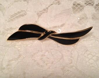 Black Bow Brooch, Vintage Pin, Black and Gold Pin, Bow Pin, Simple Black Enamel Bow Pin.