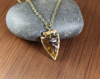 Amber arrowhead pendant necklace