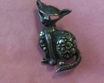Vintage Sterling Silver and Marcasite Novelty Masked Cat Brooch Pin