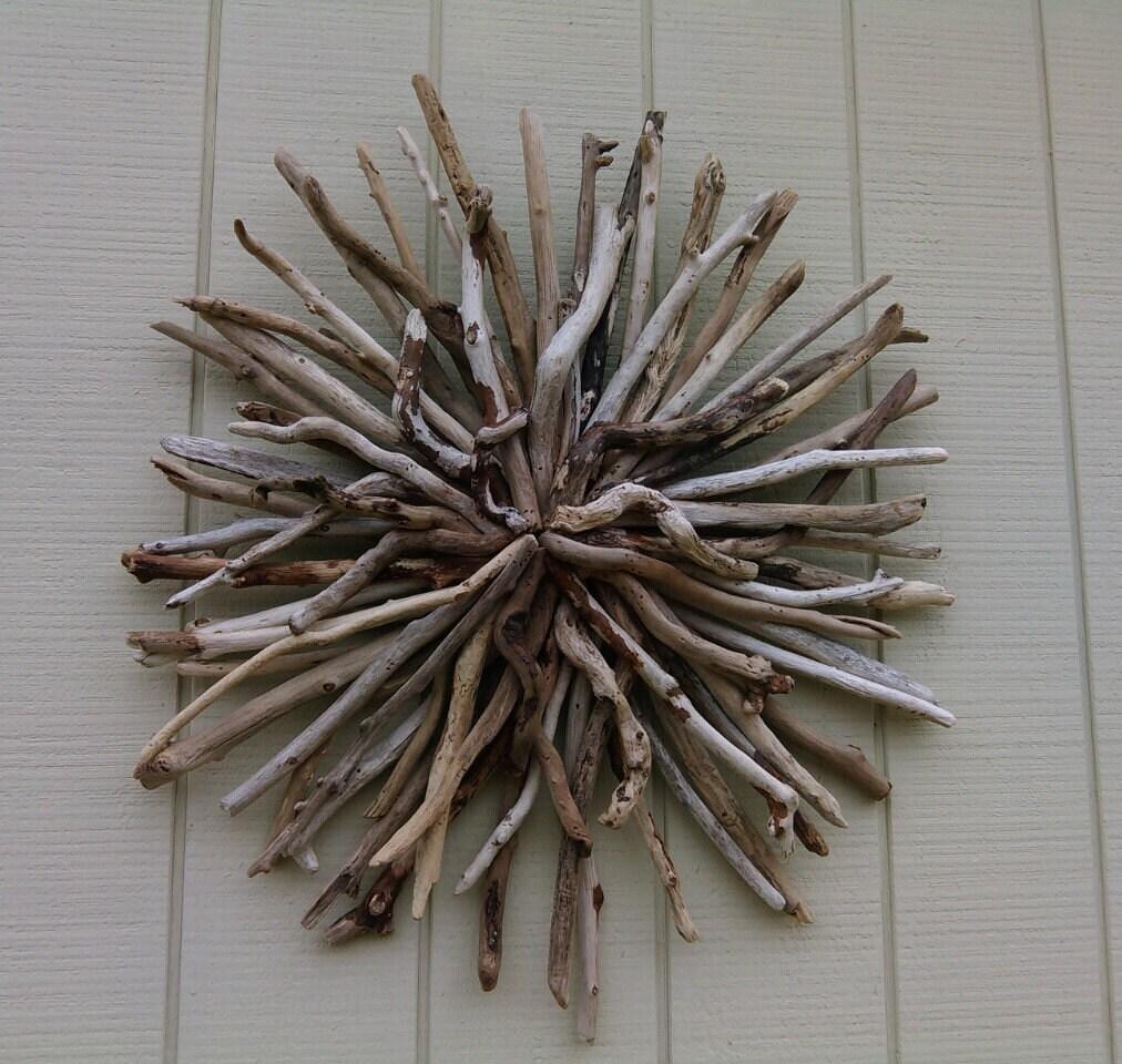 Outdoor sunburst wall art round driftwood wall sculpture hand for Sunburst wall art