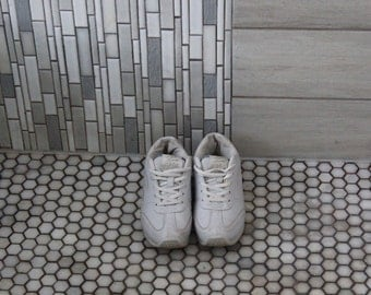Vintage 90s Lace up Sneakers Size 6