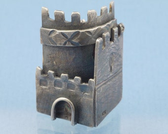 Mini medieval Castle brooch in sterling 925 silver with patina