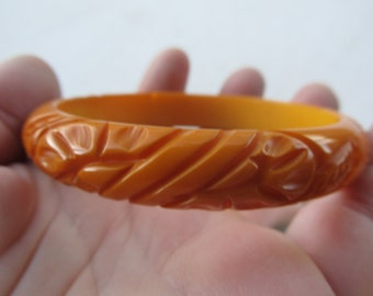 1950s Carved Butterscotch BAKELITE Bangle TESTED