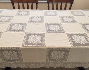 "Beautiful Oval Lace Inset Off White Tablecloth, 102"" x 63"""